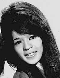 z 200px-The_Ronettes_1966_(cropped)