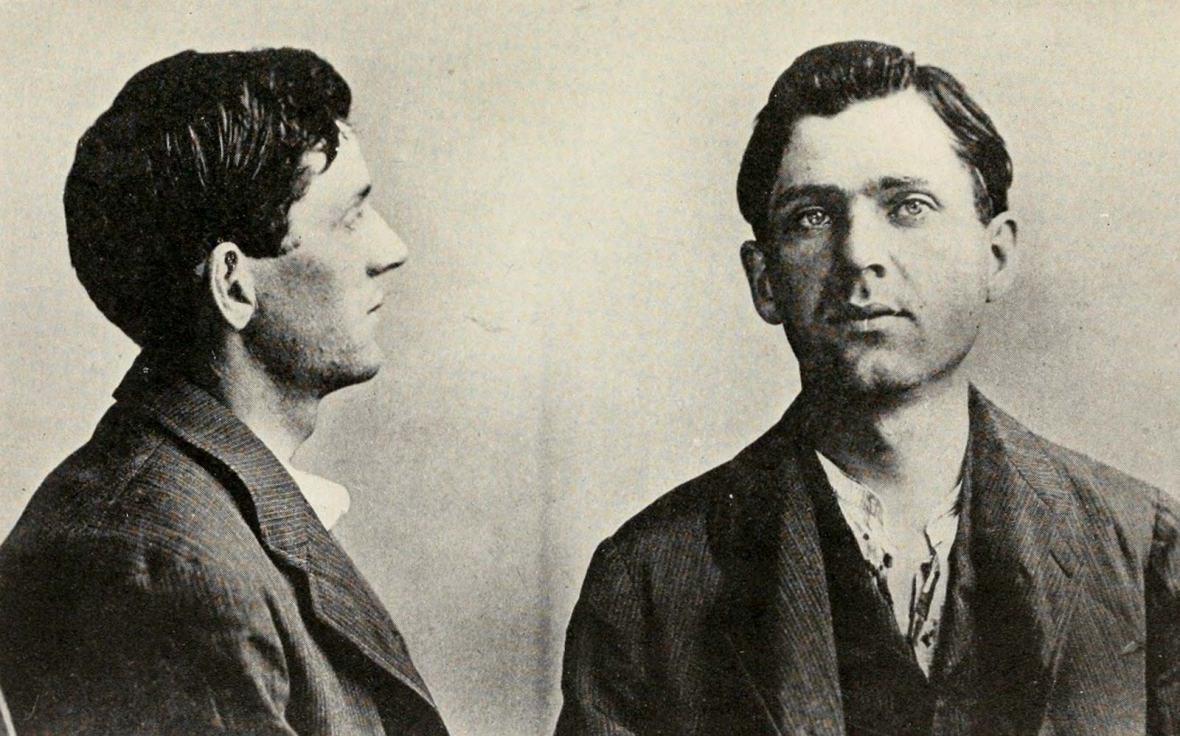 z Leon-Czolgosz-police-mug-shot-Pres-William-September-1901