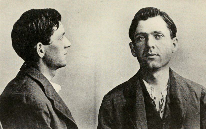 z Leon-Czolgosz-police-mug-shot-Pres-William-September-1901
