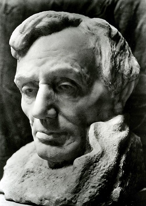 z lincoln-bust-by-borglum-500-wide