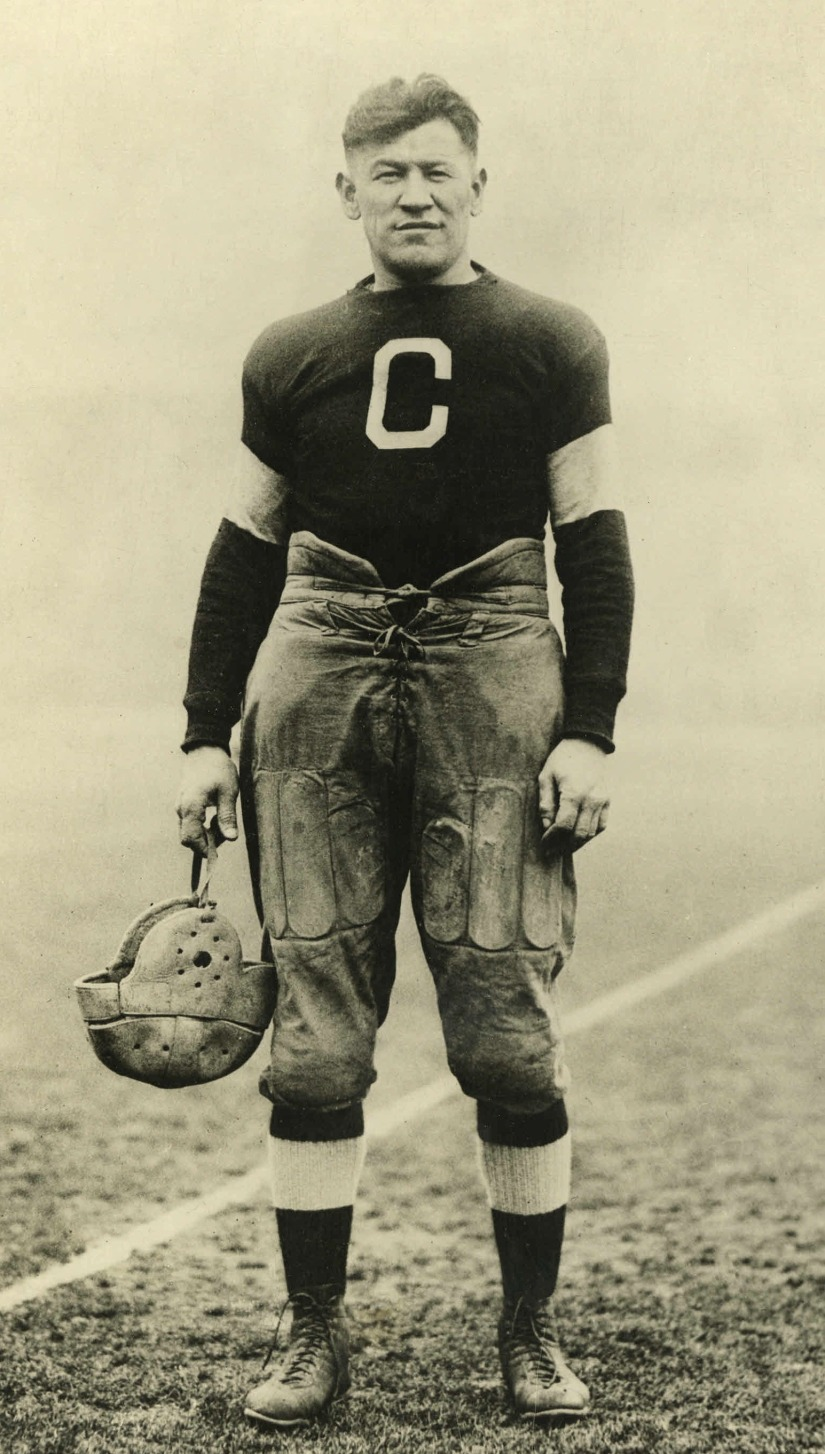 z Jim_Thorpe_Canton_Bulldogs_1915-20