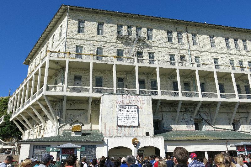 7z 583471-Building-64-at-Alcatraz-0